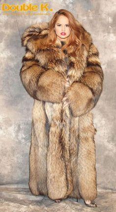 Fantastic Fox, Amazing, Fur Accessories, Fur Fashion, Mermaid Dresses, Elmo, Fur Collars, Fox Fur, Big And Beautiful
