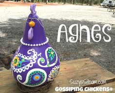 Unique gossiping paisley chickens!  Hand painted gourds