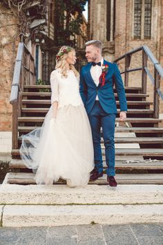 Jaw-dropping winter elopement: http://www.stylemepretty.com/destination-weddings/2017/01/27/a-winter-elopement-in-one-of-the-prettiest-spots-on-the-planet/ Photography: Lilly Red - http://www.lillyred.it/