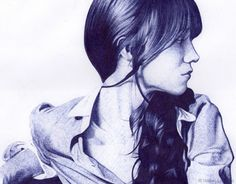 The artist that we introduce today is the Spanish Isabel Lorenzo, and as you'll see, is specialized in drawings made with ballpoint pen on paper. A sublime technique made ​​of powerful strokes mixed with light touches, almost blurred, able to give rise to amazing illustrations and detailed portraits
