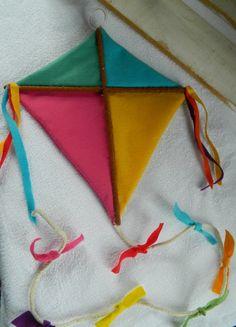 Pipa do desenho infantil Mundo do Bita. Confeccionado em feltro.  Ideal para decoração de festa de aniversário e quarto infantil.