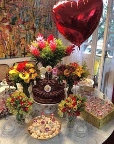 Chá de lingerie mesa de bolo e doces - lembrancinha noiva casamento