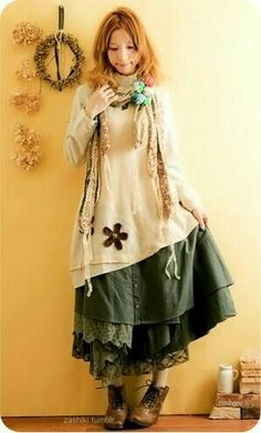 The Green Fairy Love the heavy layers in the skirt and the little brown flowers - sometimes the simplest embellishments can have the greatest impact Girl Japanese, Japanese Fashion, Japanese Style, Mode Outfits, Fashion Outfits, Womens Fashion, Grunge Outfits, Moda Grunge, Böhmisches Outfit