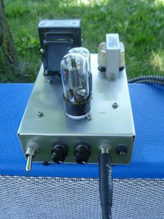 Tube amp: vintage inspried vacuum tube amplifier for guitar.