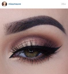 Golden Browns. Photo and makeup credit to miaumauve on Instagram