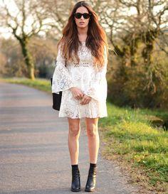 vestido-renda-branco-com-bota-preta