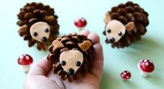 Pine Cone Hedgehogs | Pine Cone Decorating Ideas For The Holidays