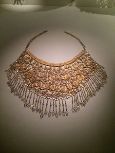 Gold necklace for Indian bride from Singapore Arts Museum