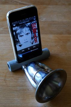 A low-tech DIY speaker amplifier for your cell phone using only a pvc pipe and an old bicycle horn.