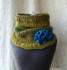 Just Jen: Beautiful cowl... I wish I could knit!
