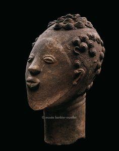 Memorial head-portrait Adanse, Asante, Ghana