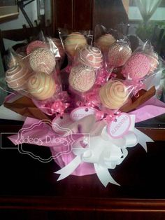 Arreglo Cake Pops para el nacimiento de Alessandra
