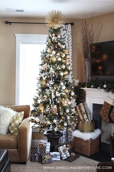 Dwellings By DeVore: Blogger Stylin' Home Tours: Christmas I love the DIY Starburst Tree Topper