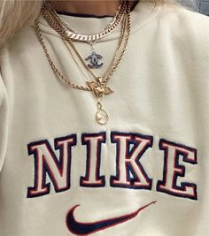 Retro Outfits, Nike Outfits, Cute Casual Outfits, Vintage Outfits, Casual Chic, Nike Sweats Outfit, Jumper Outfit, Skater Outfits, Vans Outfit