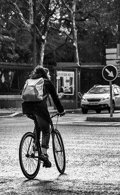 La bicicleta, el medio de transporte más recomendable para la ciudad junto con andar. Aunque la contaminación de Madrid no ayuda.