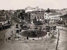 Glorieta de Cuatro Caminos (1913), en el centro ya se encuentra instalada la fuente trasladada desde la Puerta del Sol. A la derecha, el Colegio de Nuestra Señora de las Maravillas - Portal Fuenterrebollo