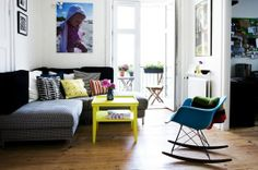 Scandinavian living room, contrast and colors