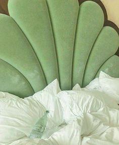 ꒰🍣꒱ 爱⁷ Aesthetic Room Decor, Aesthetic Colors, Verde Vintage, Mint Green Aesthetic, Green Wallpaper, Dream Apartment, My New Room, Design Case, Shades Of Green