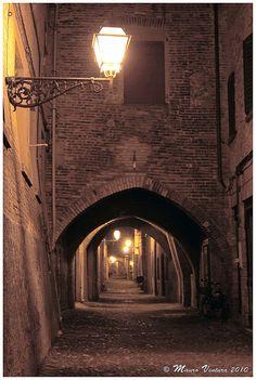 Ferrara storica di notte by mauro_ventura, via Flickr