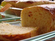 Εκπληκτική συνταγή τσουρεκιού την οποία γευόμαστε πολλά χρόνια από τη γιαγιά Βασιλική που κάθε Πάσχα φτιάχνει τουλάχιστον 6 (!!!) κιλά αλεύρι προκειμένου να τηρήσει την παράδοση της προσφέροντας σε κάθε μέλος της οικογένειας αλλά και σε φίλους το δικό τους τσουρέκι!!!! Breads, Food, Bread Rolls, Essen, Bread, Meals, Braided Pigtails, Buns, Yemek