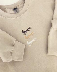 Vintage Nike Sweatshirt, Diy Sweatshirt, T Shirt, Crew Neck Sweatshirt Outfit, Nike Shirt, Sweater Hoodie, Graphic Sweatshirt, Nike Sweatshirts, Nike Outfits