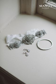 #jewellery #bling #diamonds #weddingideas #wedding #bride #accessories #inspiration #mangostudios Photography by Mango Studios