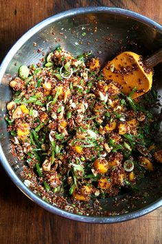 Quinoa salad with snap peas, mango and lime