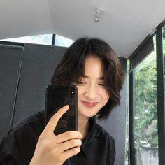 Short Hair Tomboy, Asian Short Hair, Girl Short Hair, Short Hair Cuts, Haircuts Straight Hair, Boys Long Hairstyles, Cool Hairstyles, Tomboy Hairstyles, Shot Hair Styles