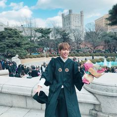 INSEONG graduated from KyungHee University today with a degree in Journalism & Communication Sf 9, Fnc Entertainment, Seong, First Dance, Aesthetic Anime, Asian Men, Canada Goose Jackets, Winter Jackets, Celebs