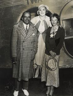 Douglas Fairbanks, Mary Pickford and famous aviator Amelia Earhart.  http://somaticmassagepc.com/