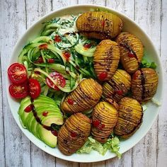 WEBSTA @ letscookvegan - Hasselback potatoes and zoodles salad by @food_without_regrets 💚Ingredients:12-14 small potatoes1 glass of chickpeas (you'll only need the water = Aquafaba)Spices:Garlic powder, chilli or tomato flakes, dried dillSalt and pepperInstructions:Preheat oven to 200°C.Wash and dry the potatoes, leave skins on.Line up 2 chopsticks lengthwise close to your potato. Slice across the width in sections as thinly as you can. This helps to avoid cutting through.Strain the…