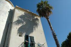 Latte Frazione di Ventimiglia (IM) ex Torre antiturchesca (Villa Notari)