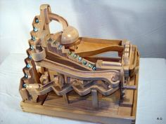 "Ryszar'ds ""marble machine 3"" in pictures"