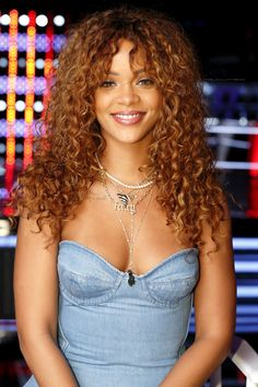 """Rihanna for """"The Voice"""" US (October 2015)"""
