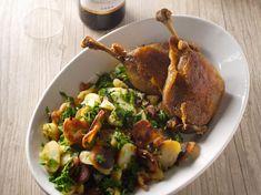 Découvrez la recette Confit de canard aux pommes de terre sautées sur cuisineactuelle.fr.