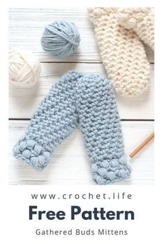 If you're looking for DIY crochet projects to keep little fingers warm (in a super cute fashion), you are going to love making thumbless toddler crochet mittens from my Gathered Buds Collection. Using the pattern Crochet Mittens Free Pattern, Diy Crochet Patterns, Crochet Headband Pattern, Crochet Gloves, Knitting Patterns, Knitting Tutorials, Hat Patterns, Loom Knitting, Free Knitting