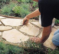 Install this flagstone path in a weekend, with this tutorial from 'Sunset'. Keep the cost down by just making a portion of the path flagstone, and the rest pea gravel. garden paths Spruce Up Your Garden on a Budget Backyard Projects, Outdoor Projects, Backyard Patio, Garden Projects, Backyard Landscaping, Backyard Ideas, Landscaping Ideas, Outdoor Ideas, Diy Patio