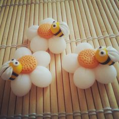 #flower and #bee #sping #polymerclay - #fiore e #ape in #fimo