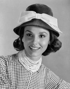 Paula Prentiss Paula Prentiss (born Paula Ragusa; March 4, 1938) is an American actress best known for her film roles in Where the Boys Are, Man's Favorite Sport?,The Stepford Wives, What's New Pussycat?, In Harm's Way, The Black Marble, and The...