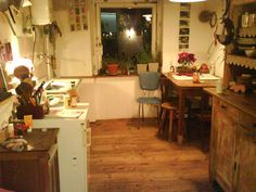 Coziness. Feels like a home. #kitchen #ambiance #atmosphere