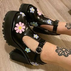 Pretty Shoes, Cute Shoes, Me Too Shoes, Aesthetic Shoes, Aesthetic Clothes, Dolls Kill Shoes, Funky Shoes, Mary Jane Shoes, Dream Shoes