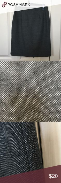 """Banana republic tweed pencil skirt sz 2 Size 2 banana republic tweed grey pencil skirt . Has been worn . Has lint peels , but other than that is in good shape . Was my favorite skirt is very flattering . Only selling because no longer fits . Dark grey in color . Has lining . Waist measures 28"""" skirt high waisted, hits at natural waist.  length 21"""" hits a little above the knee . Hip measures about 34"""" Banana Republic Skirts Pencil"""