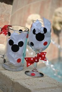 Cheers Mickey & Minnie! Gimme!!!