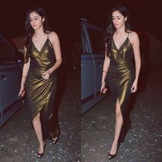 These top 10 pictures of actress Ananya pandey you may have not seen earlier. She is the daughter of chuny Pandey and is about to feature in Student of the year Bollywood Outfits, Bollywood Photos, Bollywood Girls, Bollywood Celebrities, Bollywood Fashion, Bollywood Songs, Beautiful Bollywood Actress, Most Beautiful Indian Actress, Indian Actress Hot Pics