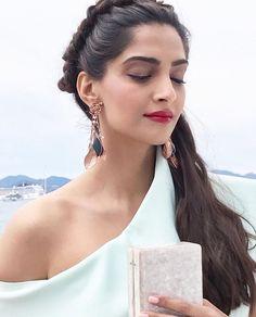 Sonam Kapoor Cannes 2017