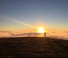 """""""#sol #arlivre #vida #vidaaoarlivre #outdoor #estilodevida #vidasaudavel #natureza #montanha #nascerdosol #amanhecer #nuvens #nasalturas #picoagudo #santoantoniodopinhal #sp #serradamantiqueira #instatravel #travelgram #viagem #turismo #viagemeturismo"""" by @sol_arlivre_vida. #fslc #followshoutoutlikecomment #TagsForLikesFSLC #TagsForLikesApp #follow #shoutout #followme #comment #TagsForLikes #f4f #s4s #l4l #c4c #followback #shoutoutback #likeback #commentback #love #instagood #photooftheday…"""