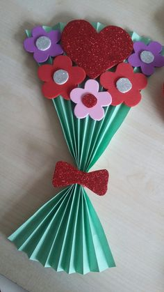 Mothers Day Crafts For Kids Easy Kids Crafts, Easy Mother's Day Crafts, Mothers Day Crafts For Kids, Spring Crafts For Kids, Mothers Day Cards, Valentine Day Crafts, Toddler Crafts, Preschool Crafts, Holiday Crafts