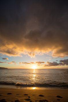"noizzex: ""North Shore sunset   by Simon Dubreuil """