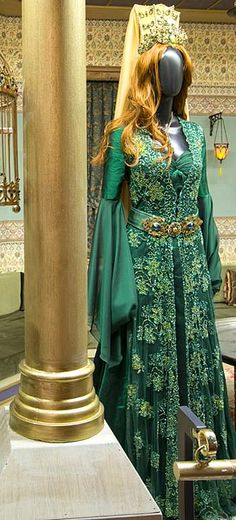 Muhtesem Yuzyil Dress