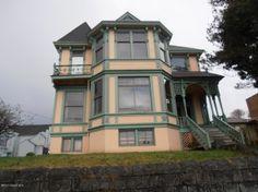 1880-Astoria, Oregon Victorian for sale